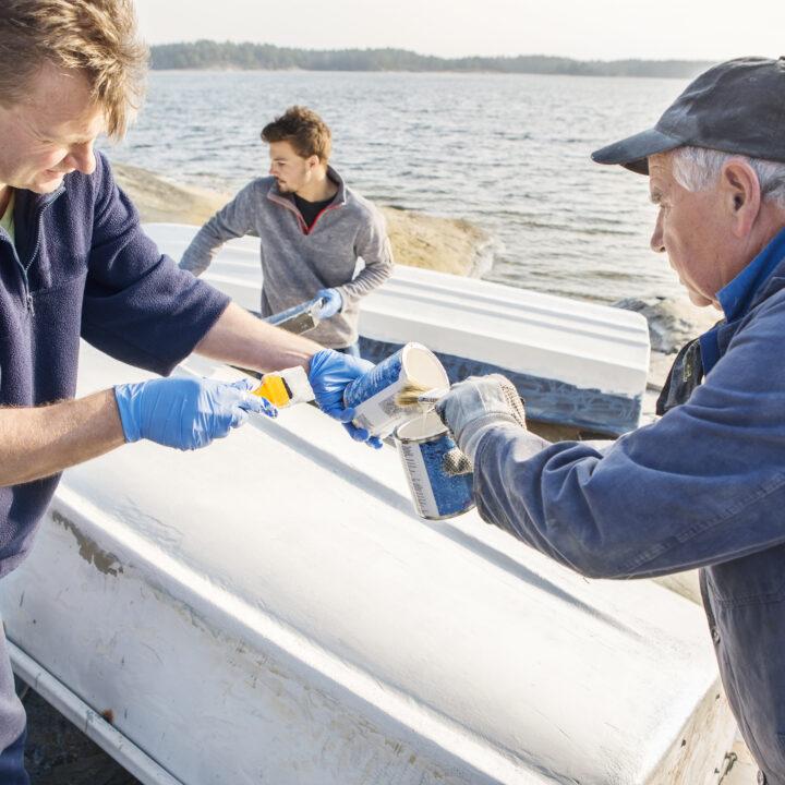 båt,bottenfärg,fritidsbåt,män, motorbåt,plastbåt,skärgården