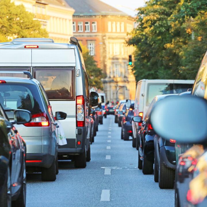 bilar, transport, kö, staden, hus, träd, park, väg, solig