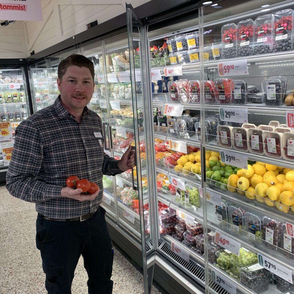 butikschef, livsmedelsbutik, kyl, kyldisk, mat, matbutik, mataffär, grönsaker, fondprojekt, energieffektiviseringsfond, elenergi, energi, el, frys, hållbarhet