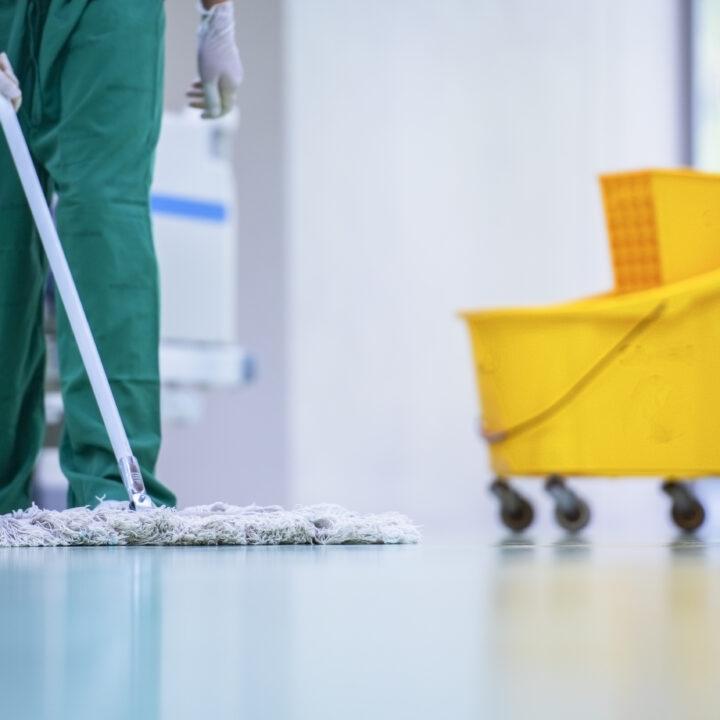 städ, städning, offentlig, upphandling, hink, mopp, städare, omvårdnad, arbetare, golv, rent, miljömärkning, kemiska, rengöring, allrengöring, sanitering, renlighet, sjukhus