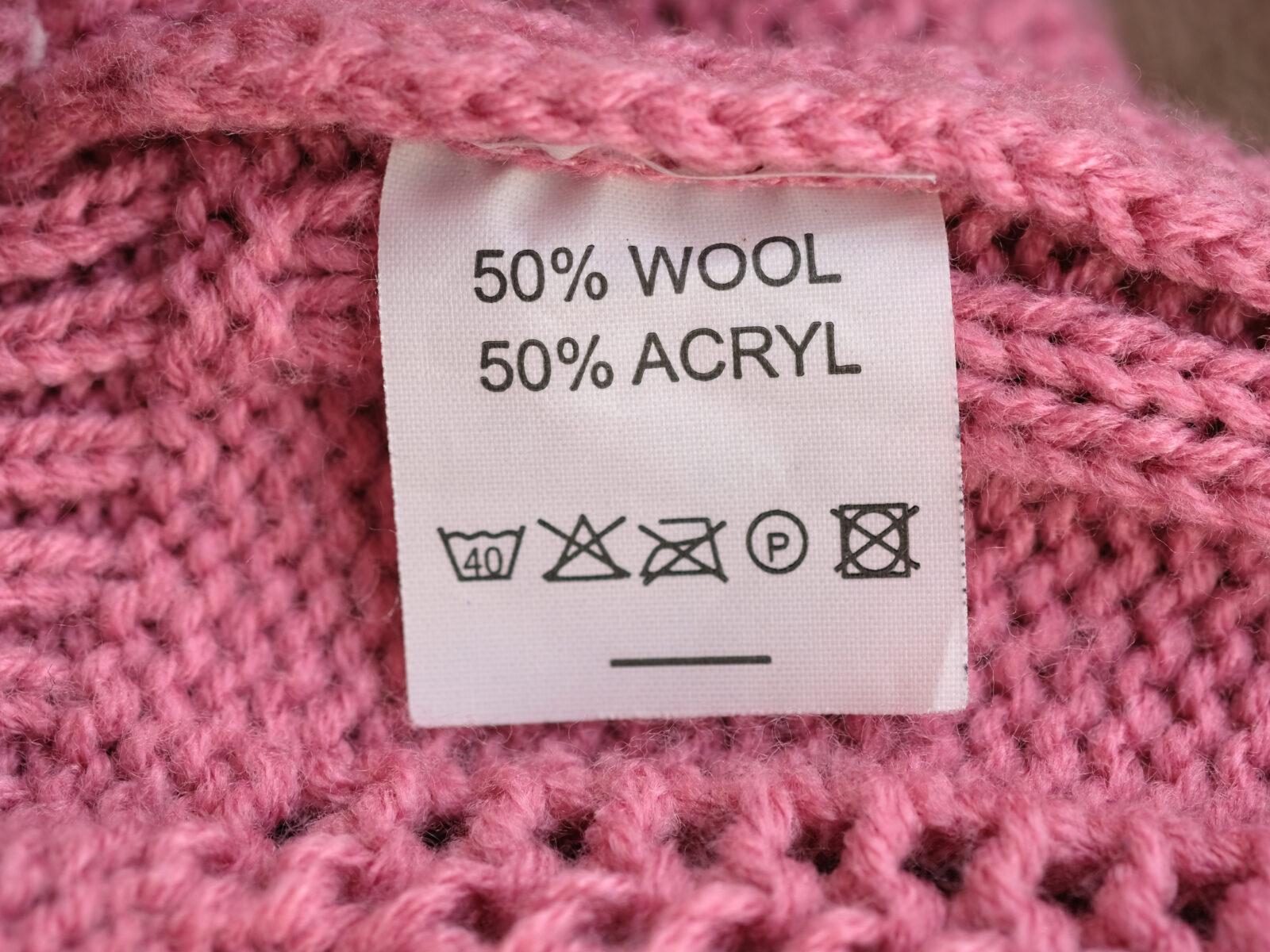 syntetmaterial,rosa,detalj,stickat,kläder