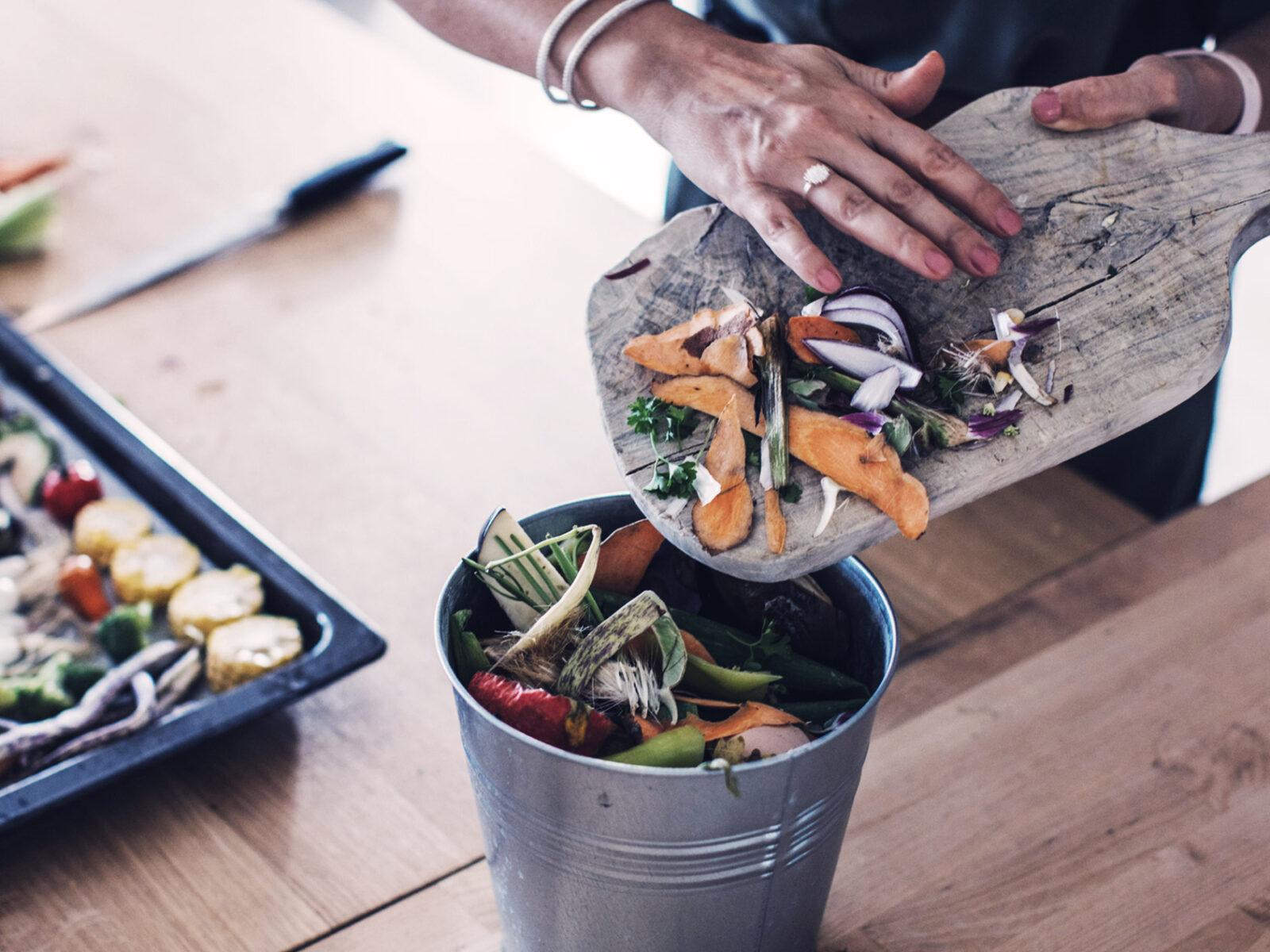 klimatkocken, matlagning, grönsaker, rotfrukter, skärbräda, kök, mat, klimat