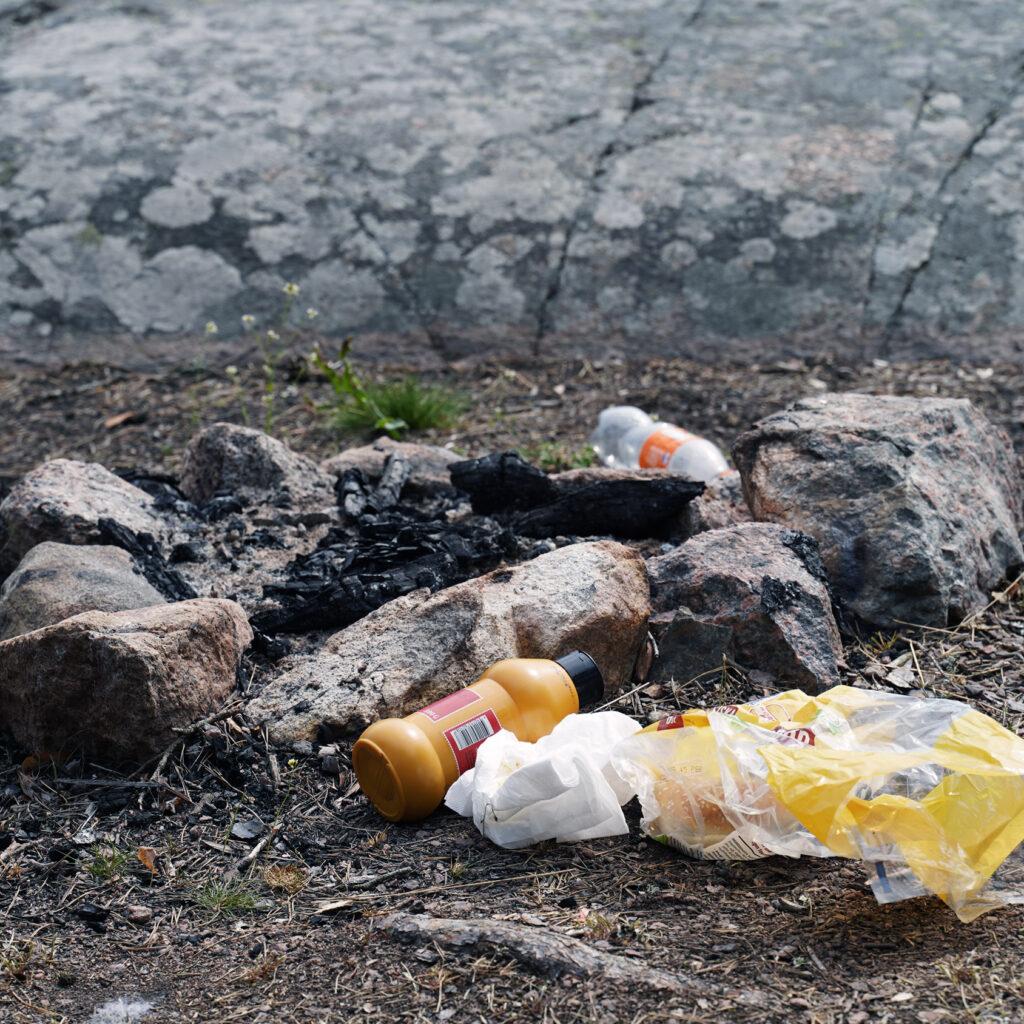 Skräp, nedskräpning, plast, slutslängt, människospår