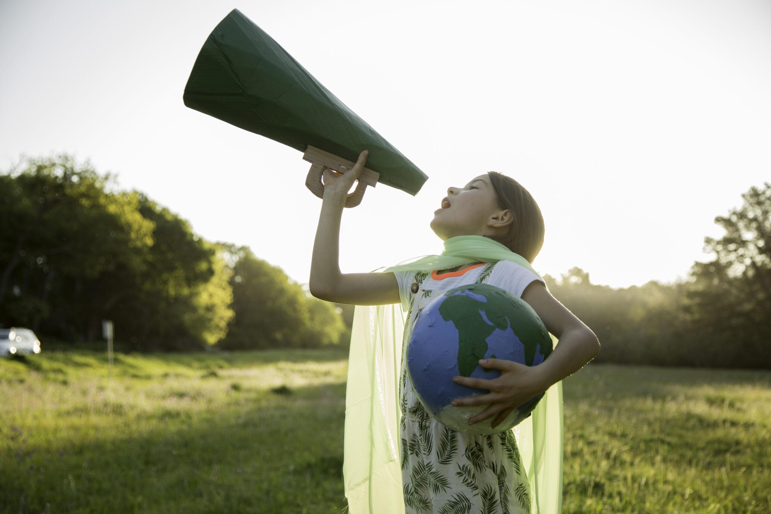 flicka, barn, jordklot, natur, hjälte, miljöhjälte, kommunikation, gräs, himmel, sommar, träd, park, 1279305654