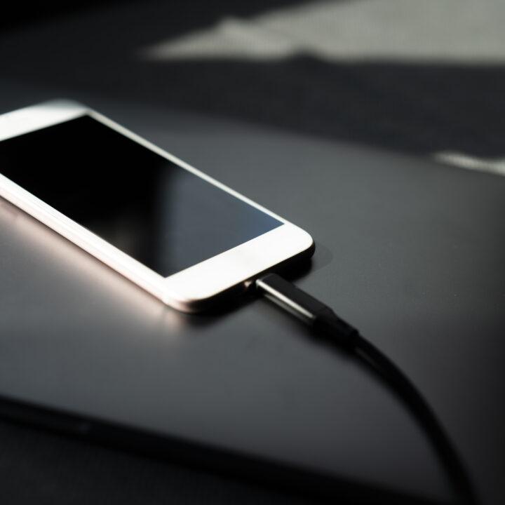 iphone,bord,laddare,svart