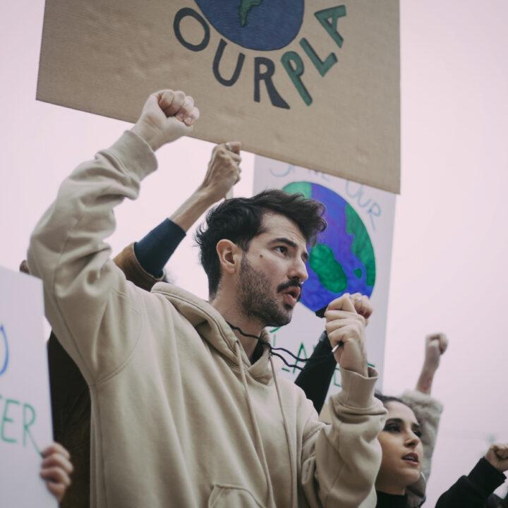 tonåring, demonstration, miljöhänsyn, livsstil, rörelse, folksamling, banners.